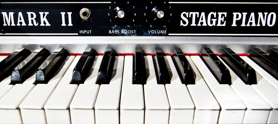 MetaphonicStudios_MarkIIPianoCloseup_Slider_950x425px